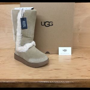 554b74ddb9e Women Fur Trim Ugg Boots on Poshmark